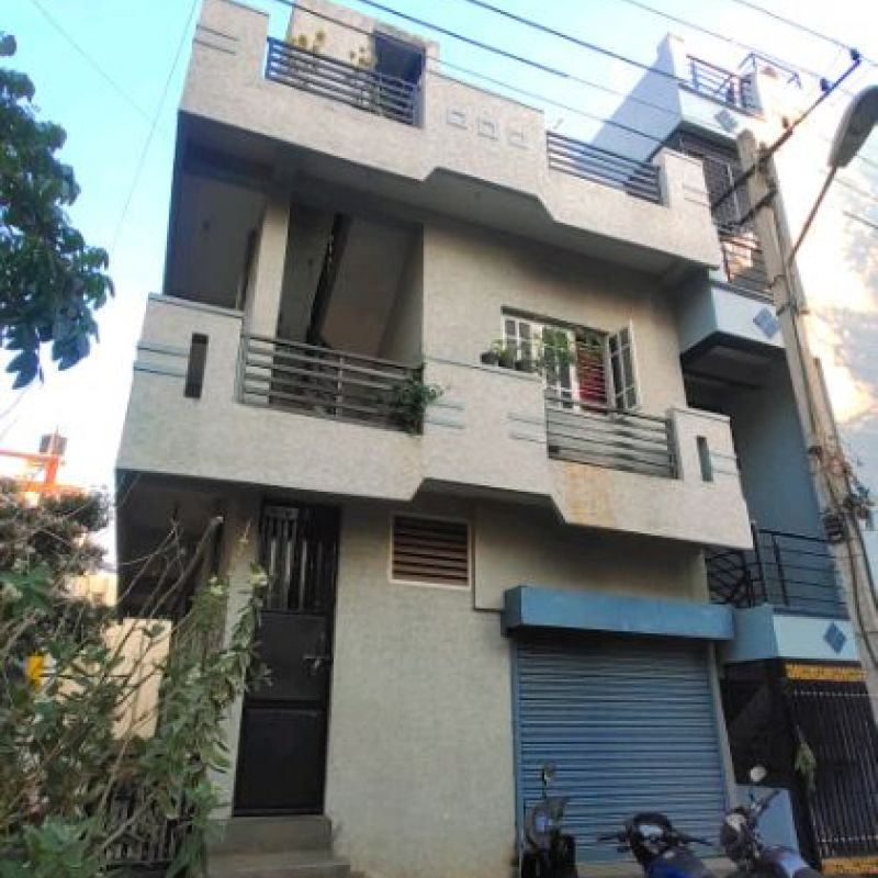 Independent house for sale @ SMV layout 9the block near KA-41 RTO